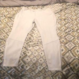 White LYSSE leggings